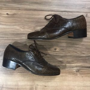 Vintage handmade snakeskin oxford heeled loafers